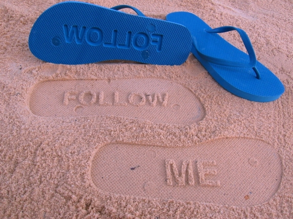 Follow Me flip flops